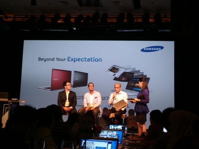 Poltak Hotradero dan Angga Maliq & D'Essentials menceritakan pengalaman menggunakan ultrabook terbaru Samsung
