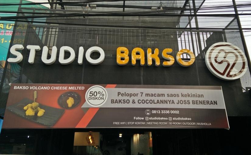 Studio Bakso: Restoran Bakso Buat PecintaFotografi